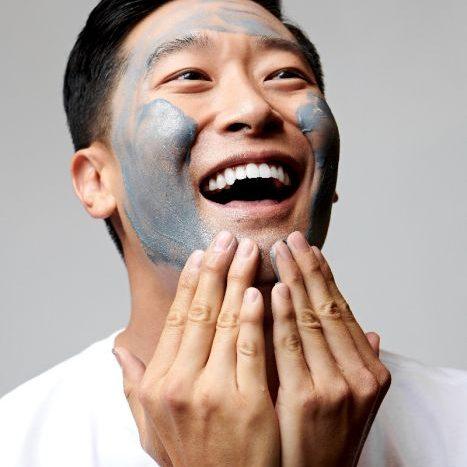Dermalogica Active Clay Cleanser aanbrengen op gezicht man